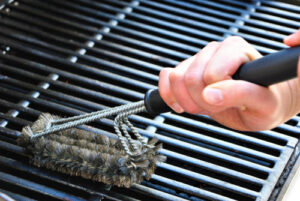propane grill cleaning